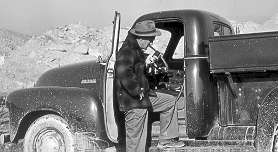 truck with shortwave radio in 1954
