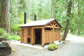 Picture of La Wis Wis Campground restroom facility