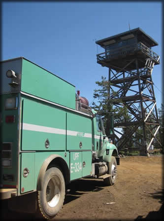 [PHOTO: Engine 334 at Cinnamon Butte Lookout]