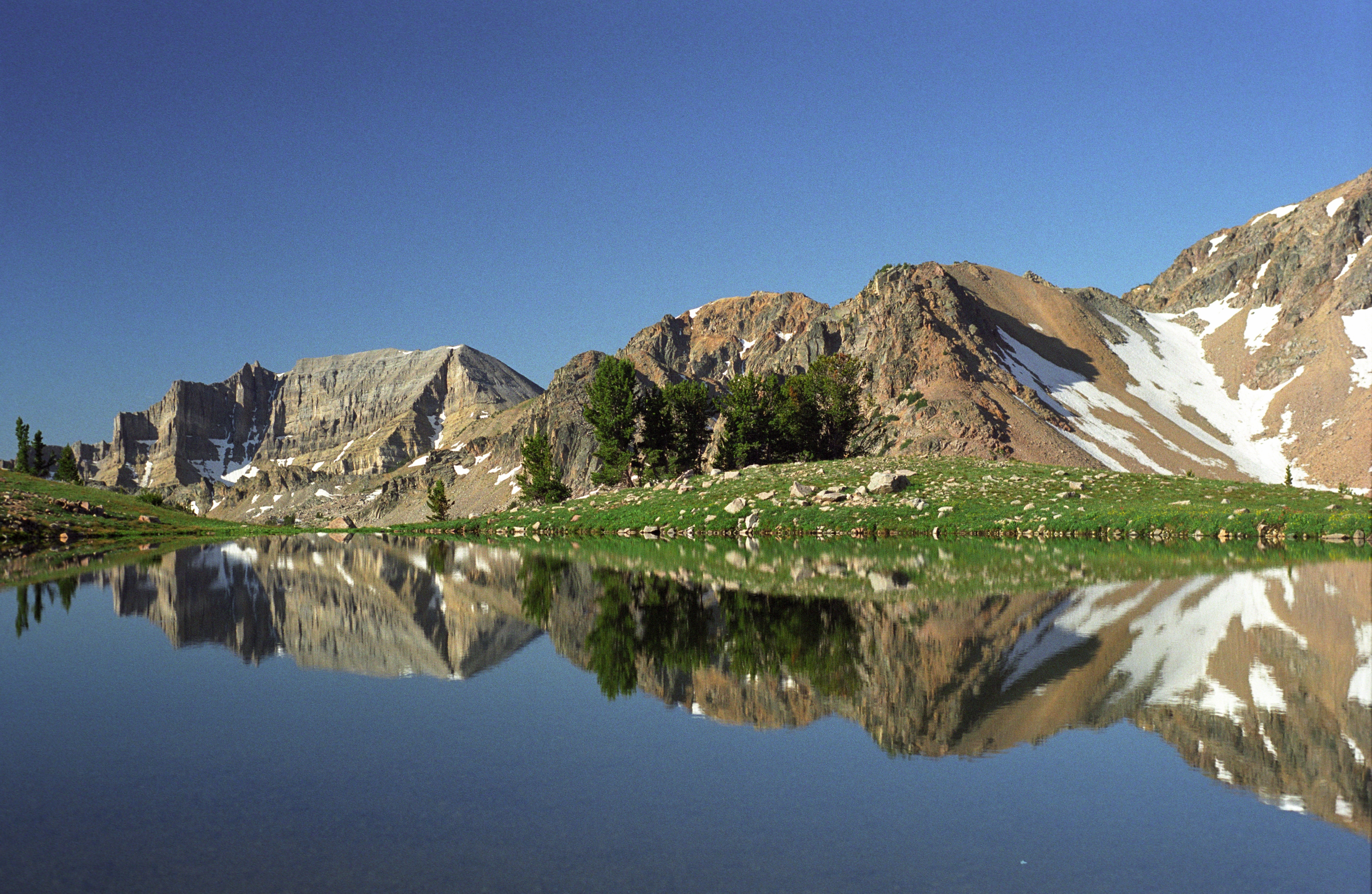 Wilderness lake picture on the Bridger-Teton National Forest