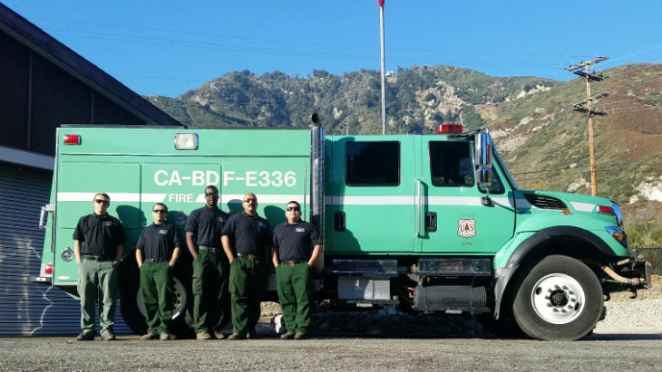 USFS Engine crew 336 in front of the Engine and station 36
