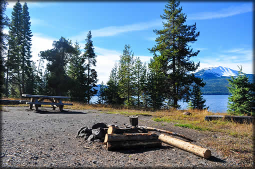 Diamond Lake Campground Camp Site along the Water