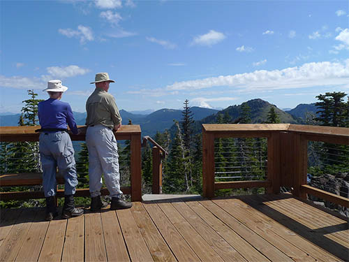 Hikers lookout from the Iron Mountain viewing platform