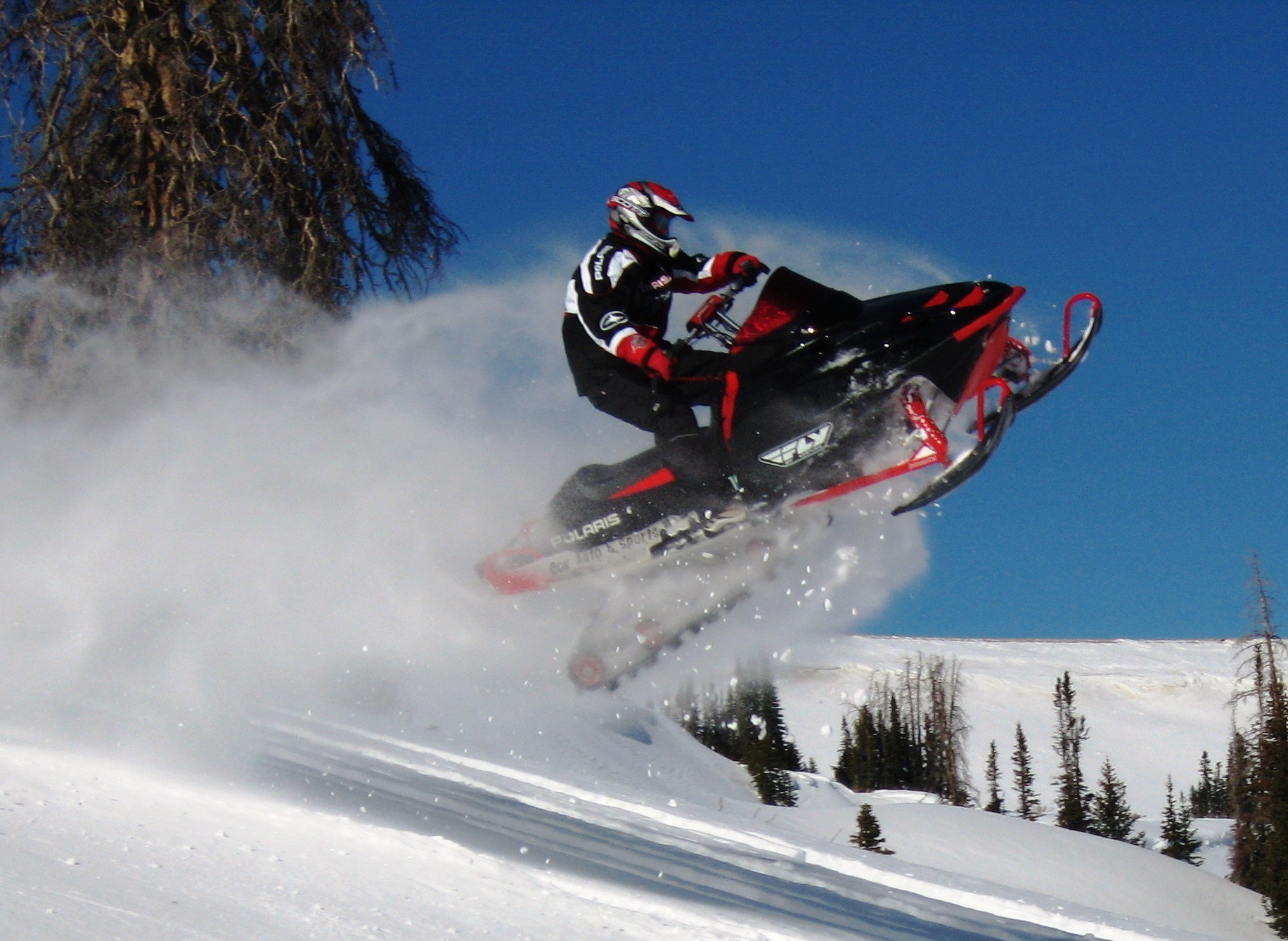 Skyline Snowmobile Picture