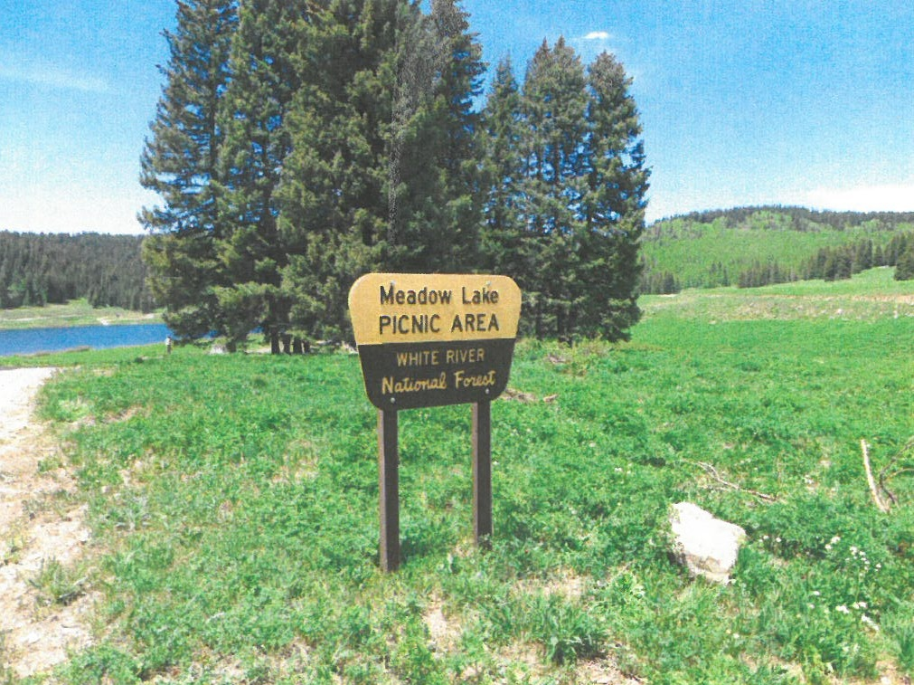 Photo of the entrance to the Meadow Lake Picnic Area
