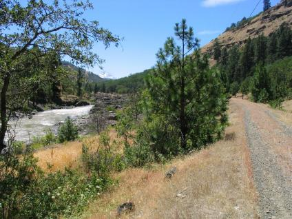 Klickitat Trail is a gravel surface along the river here.