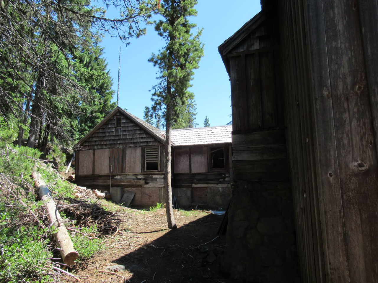 Santiam lodge a rustic historic building on national forest land