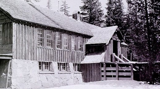 Santiam Ski Lodge exterior in black and white