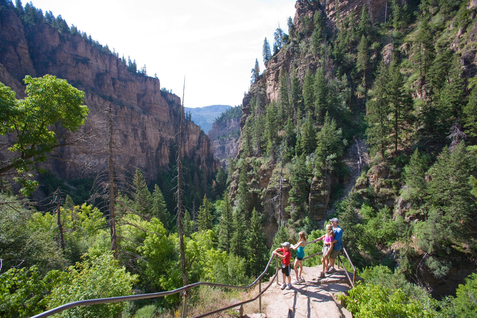 Summer-Hiking-in-Glenwood-Springs-Colorado-at Hanging Lake Trail