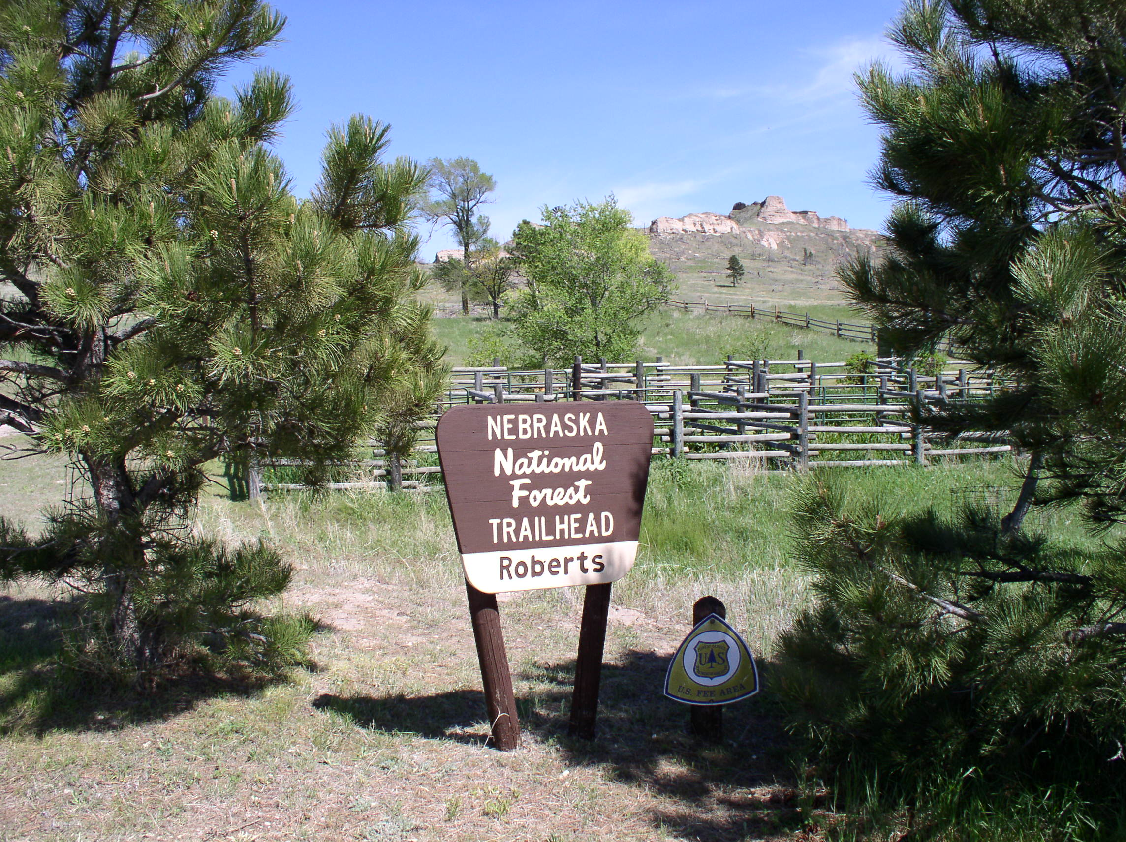 Roberts Trailhead and Campground sign