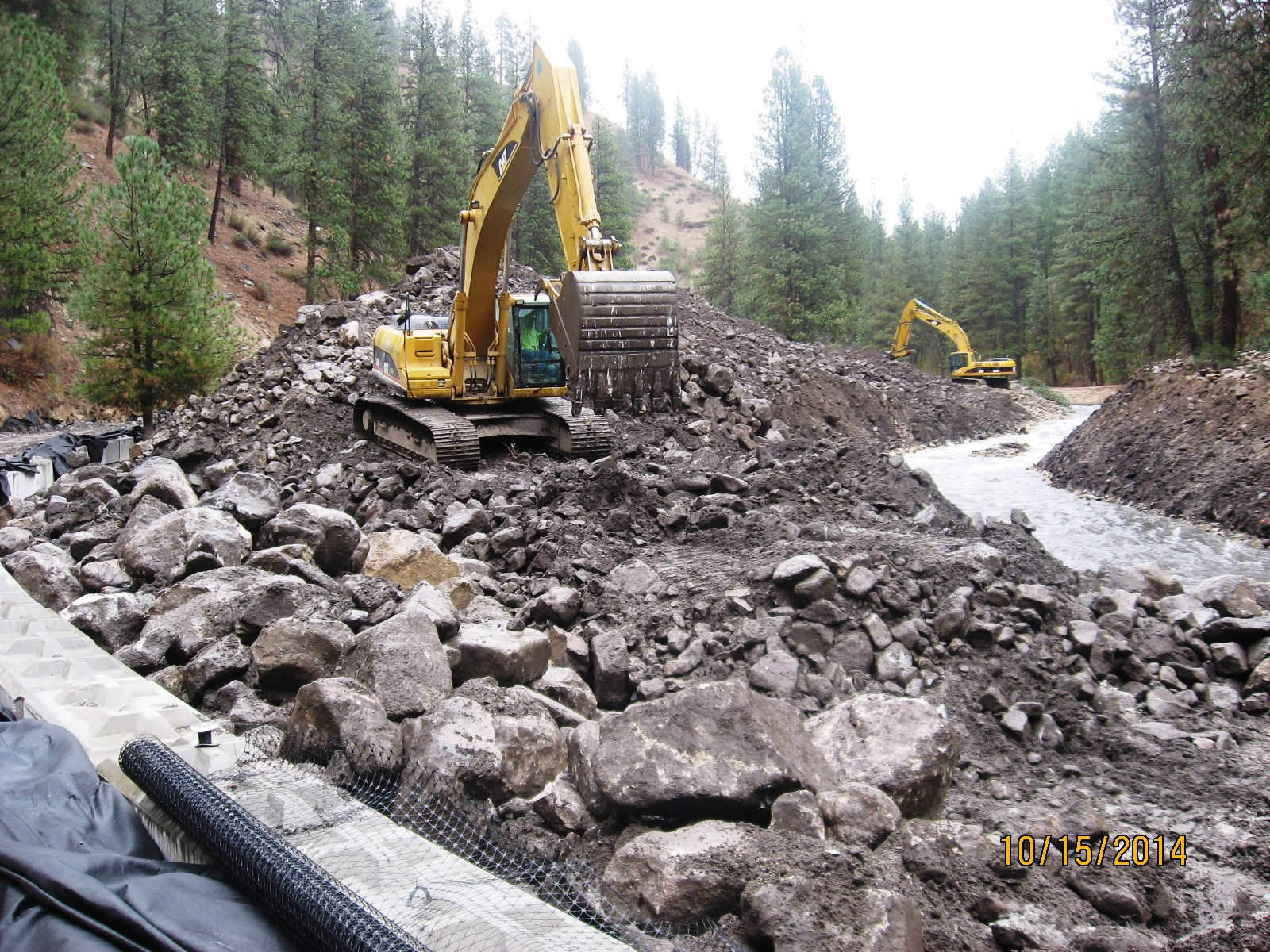 10-17-2014 Middle Fork Repairs 2