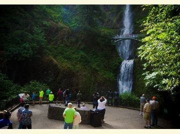 Multnomah Falls accessible viewing area.