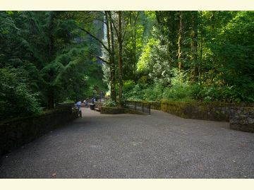 View towards Multnomah Falls from wedding plaza