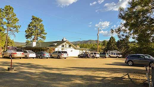 Large parking lot at Lynx Lake Cafe and Marina