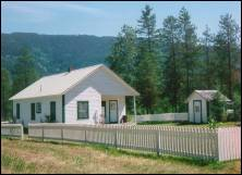 Photo of Snyder Guard Station - a rental suitable for groups.
