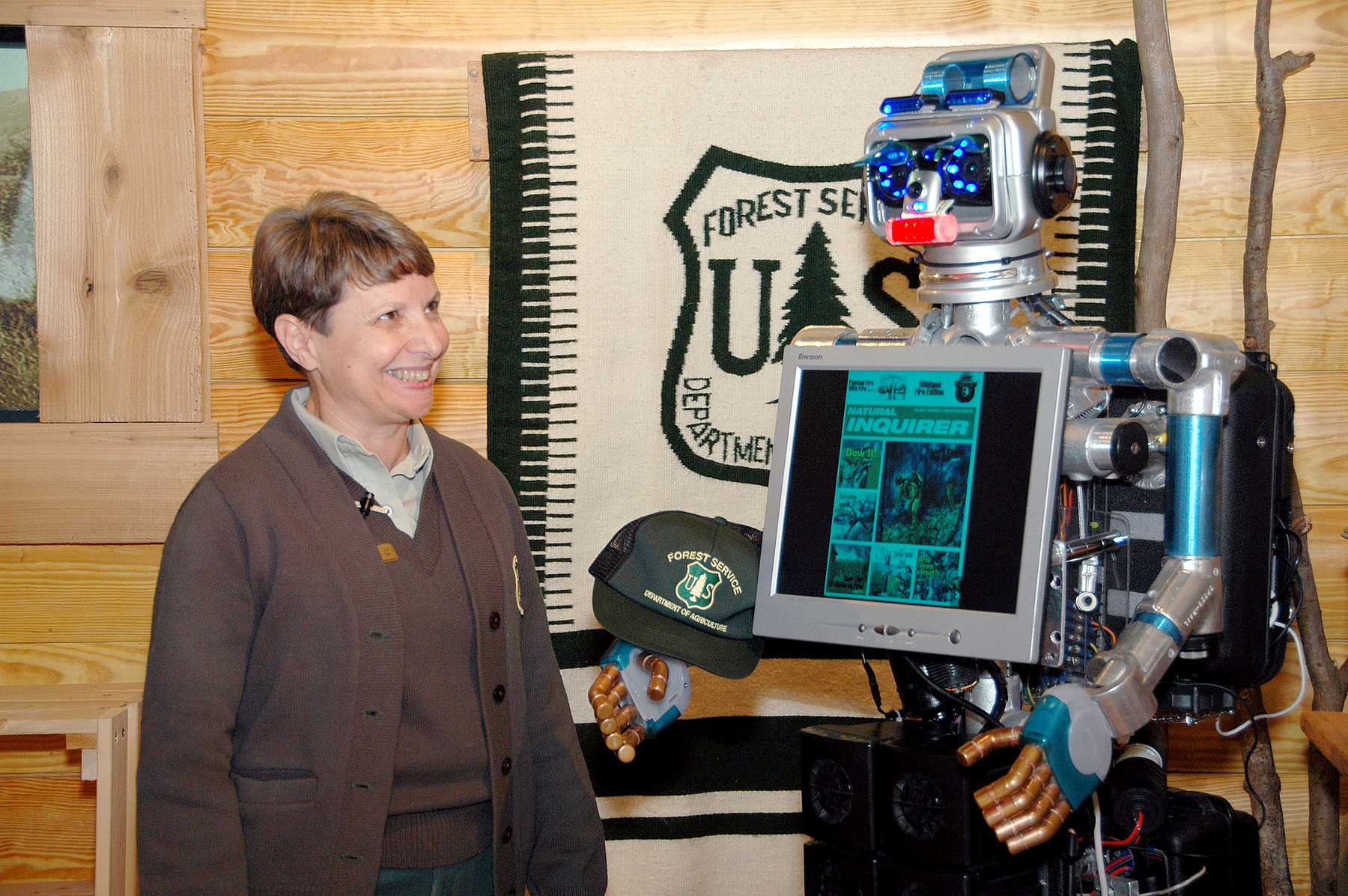 Elizabeth and Terri the Robot at the WO FS visitor Center, December 2008