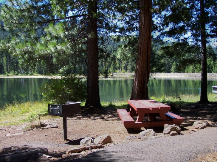 Picnic table and stove on the banks of Juanita Lake