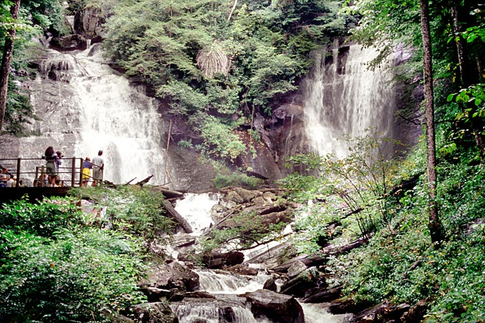 Anna Ruby Falls: Curtis Creek is on the left and York Creek is on the right.