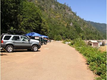 View of the Lower Loop at Ellery Creek Campground.  Several vehicles and tents.