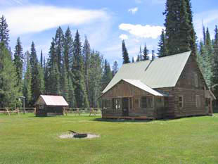 Exterior of the Wurtz Rental Cabin