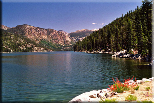 Vista of beautiful mountain lake