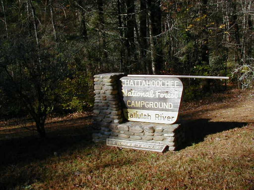 The portal sign leading to Tallulah River Campground