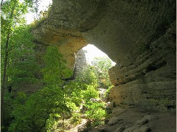 Photo of Natural Arch from the trial