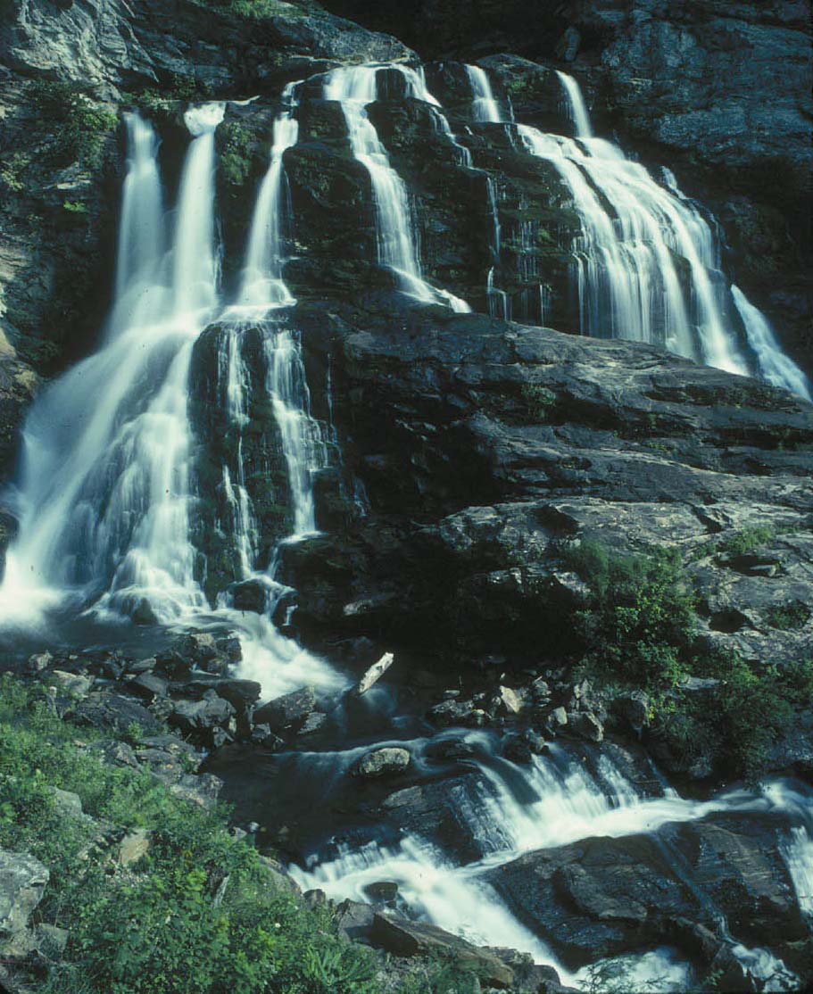Water cascading over rocks at Cullasaja Falls