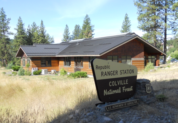 Photo: The Republic Ranger Station Sign with Office in background