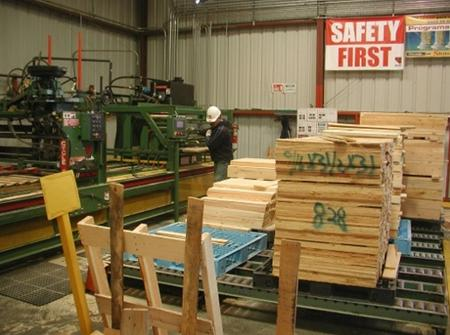 Making palettes at the Custom Crates and Palettes - a family owned business