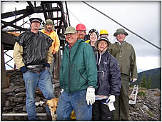 Photo of P.I.T. volunteers working on Kootenai NF site.