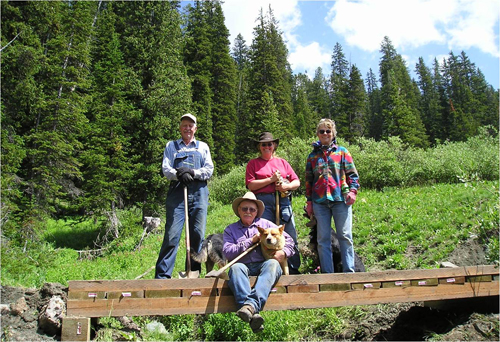 Shoshone Volunteers building a trail