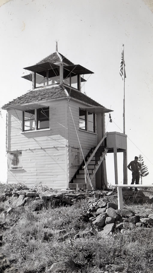 28-w-3-08-old-baldy-lookout-1942.jpg