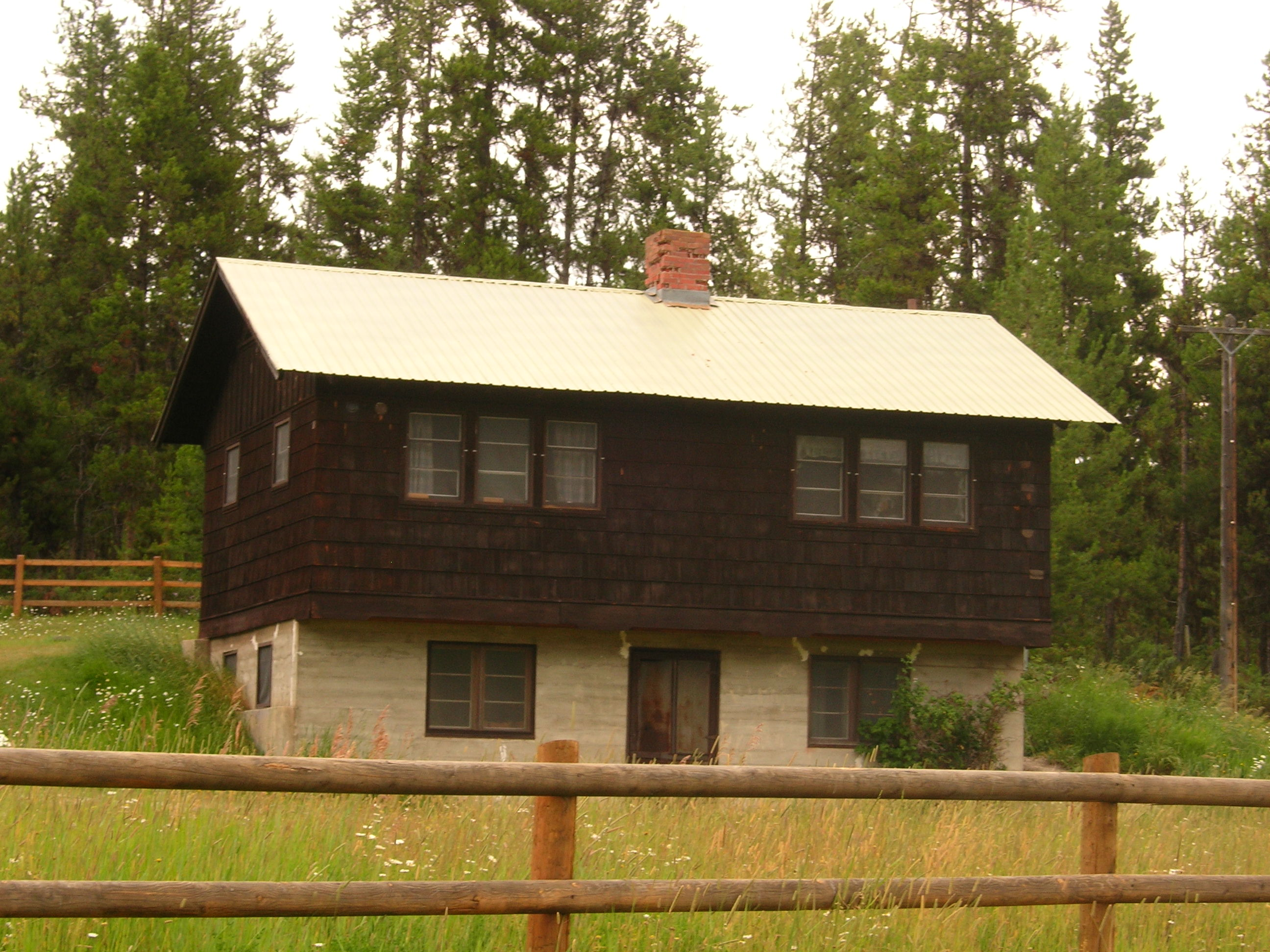 in gorge cabin venue lodging cabins for the and dog mountain montana ranch rent wind event