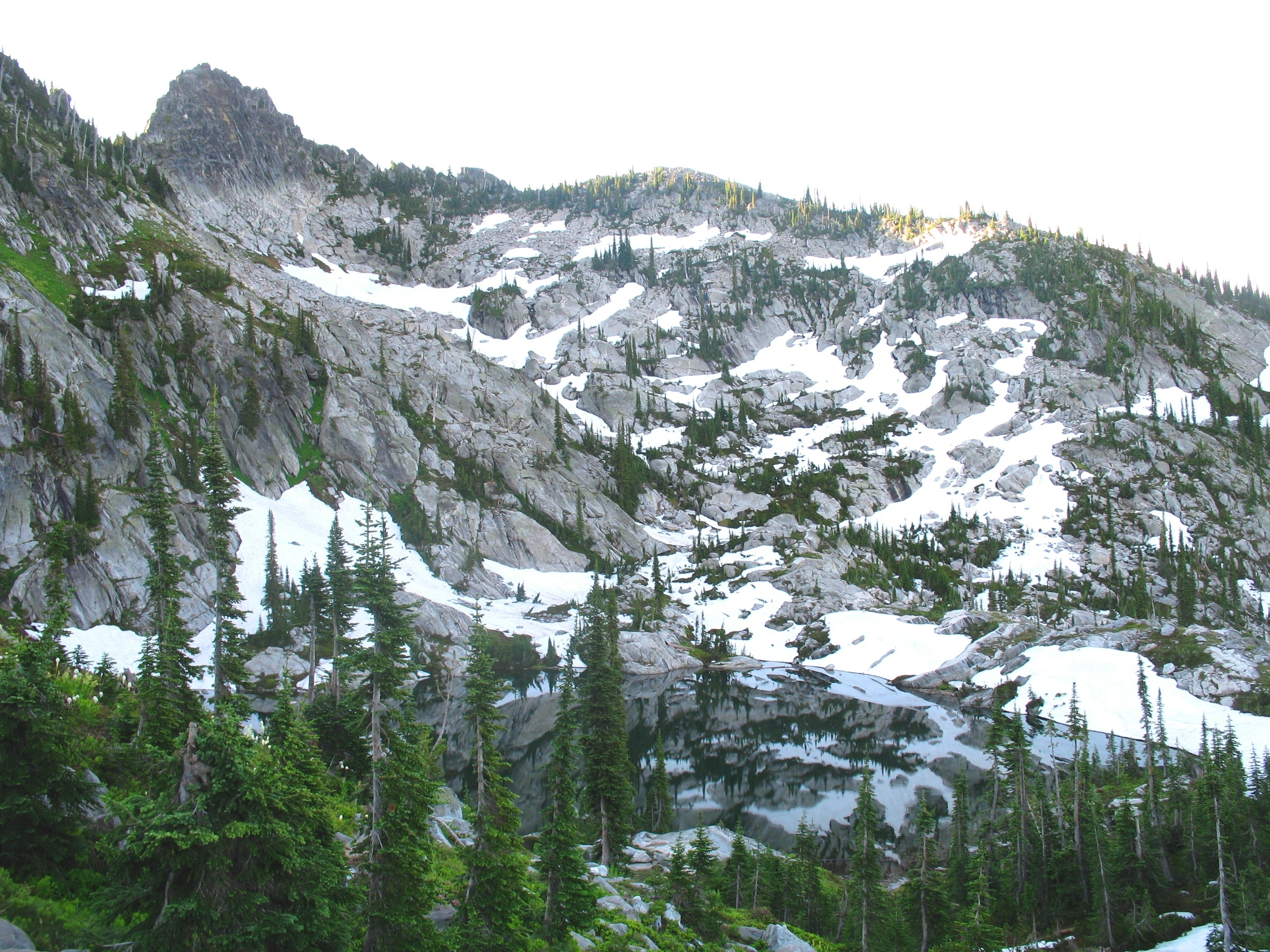 An August morning at Rainbow Lake in the Selway Crags