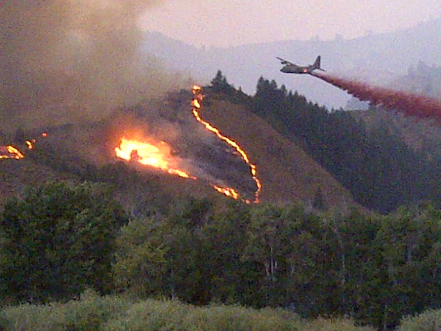8-11-2013 Air Tanker Drop near Pine, Idaho