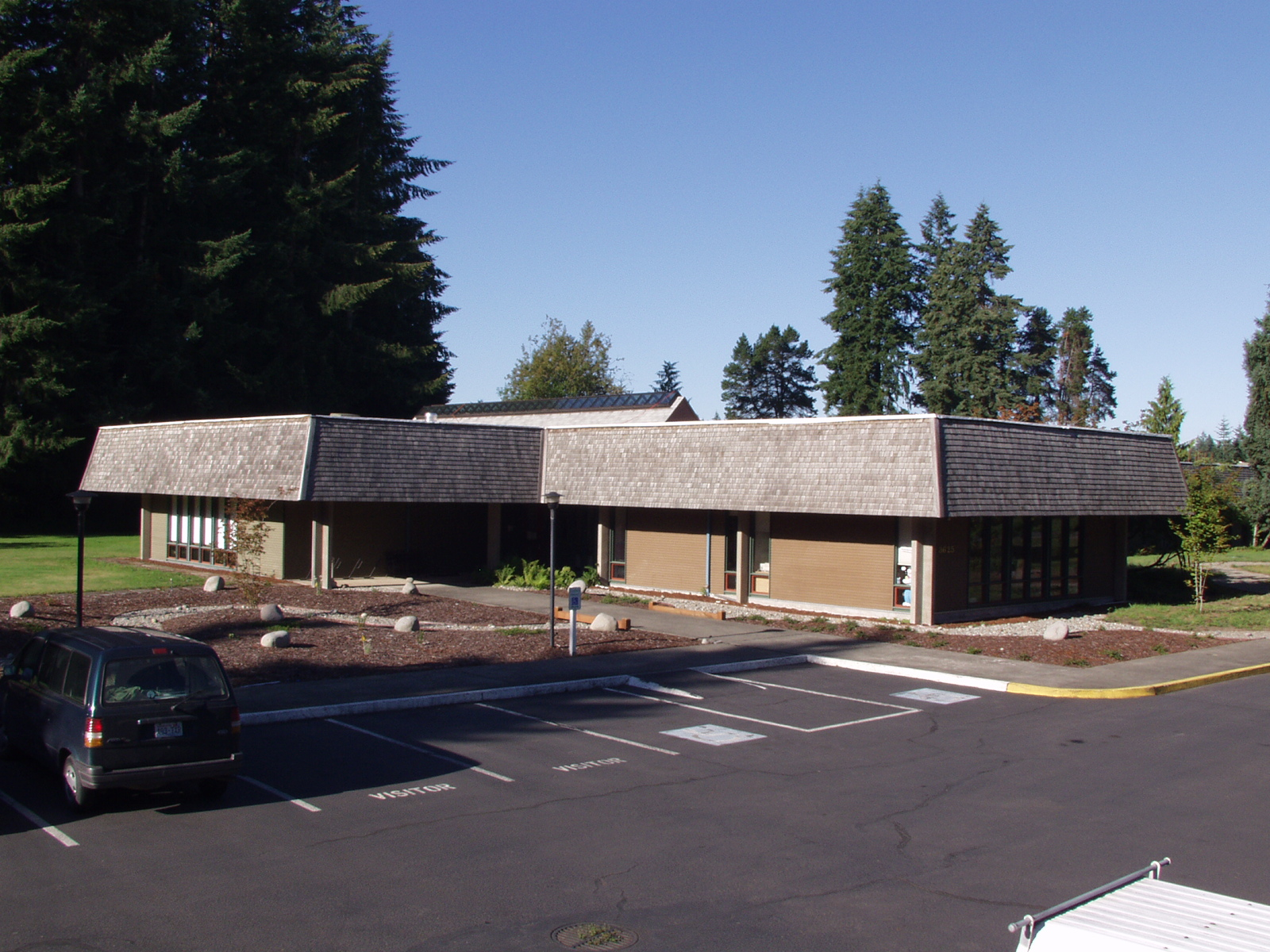 Front view of the Olympia Forestry Science Laboratory, around 2007.
