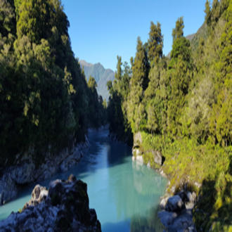 Hokitika Gorge on the South Island of New Zealand. USDA Forest Service photo by Geoffrey Donovan.
