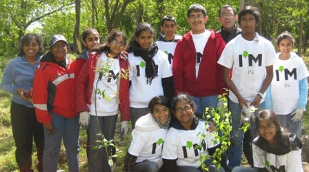 Photo of MillionTreesNYC Training Program participants at a volunteer planting day in Staten Island, NY. Brian Aucoin, New York City Department of Parks & Recreation