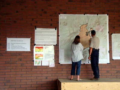 Photo of Shultz Fire Information Provision. Sarah McCaffrey, USDA Forest Service