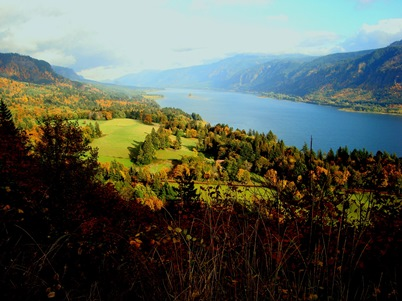 Photo of The Columbia River Gorge National Scenic Area. Pete Bisson, USDA Forest Service