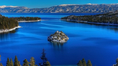 Photo of Lake Tahoe is renowned for its intense blue hue. Wikimedia Commons.