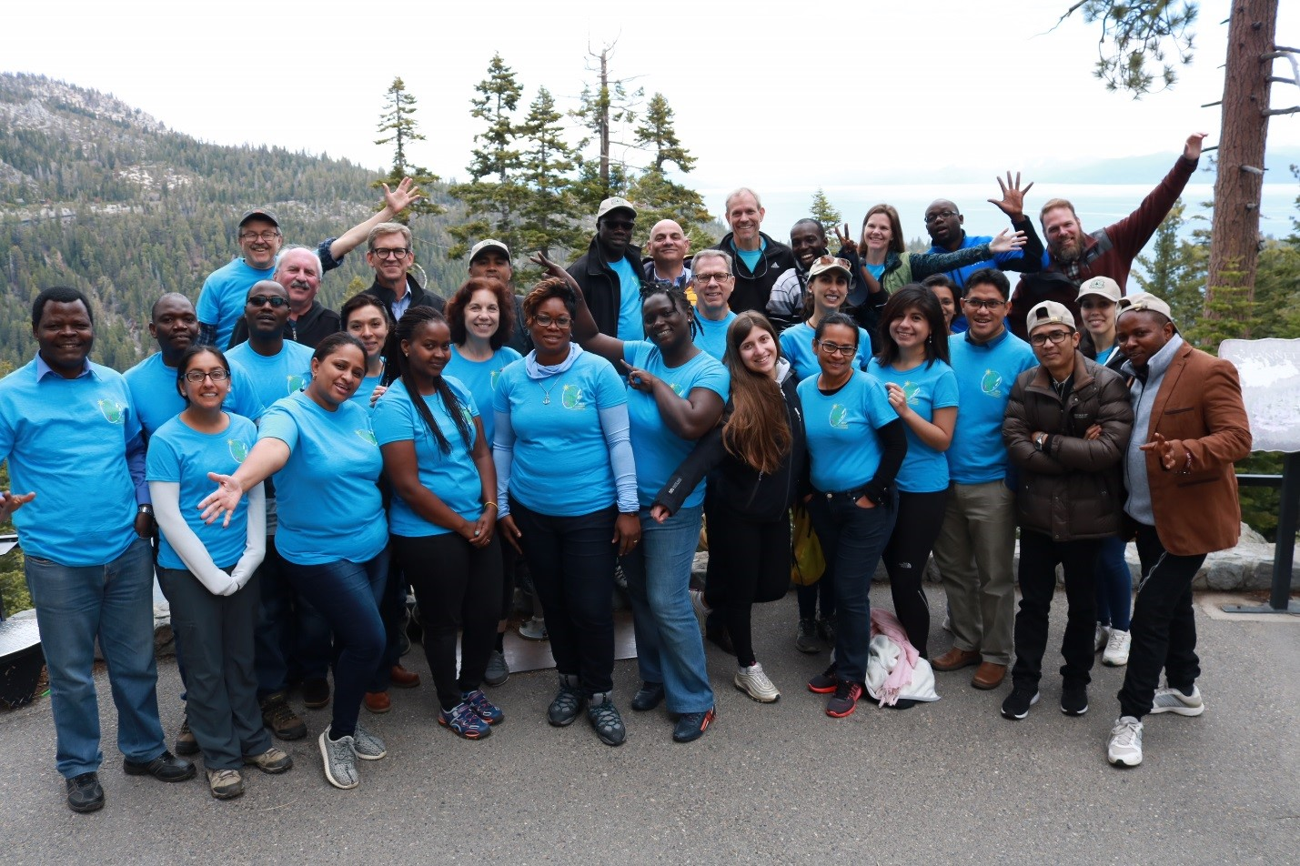 The seminar group poses for a group photo in Lake Tahoe