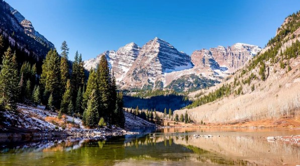 A photo of Maroon Bells