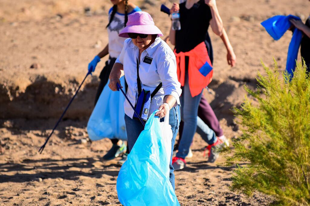 A photo of Volunteers on the Tonto South Zone participate in the annual Salt River beautification project
